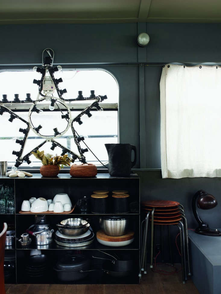 72-Valerie-Mazerat-houseboat-Richard-Powers-Thames-&-Hudson-Remodelista