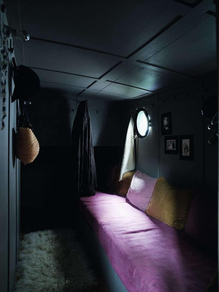 74-Valerie-Mazerat-houseboat-Richard-Powers-Thames-&-Hudson-Remodelista