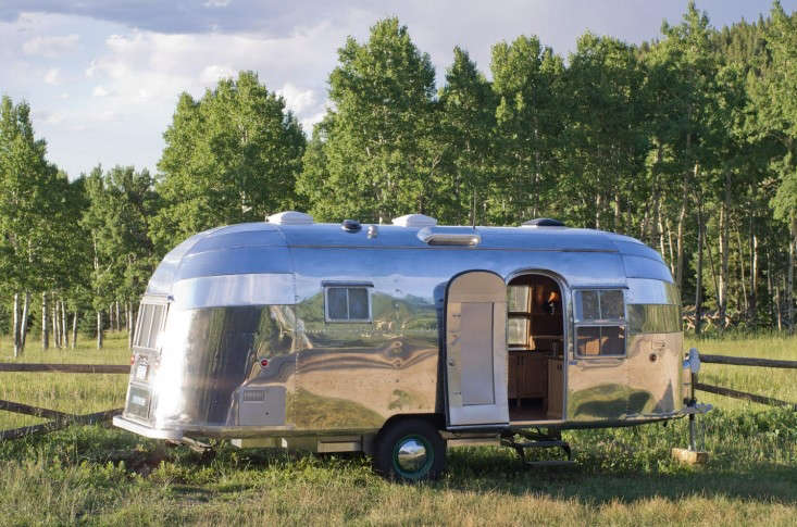 Airstream-Flying-Cloud-Travel-Trailer-03