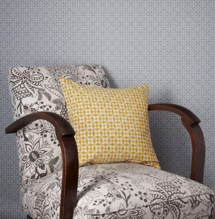 Akin-&-Suri-Handmade-Interiors-Nila-wallpaper-and-Damla-and-Naar-textile-patterns-2-Remodelista