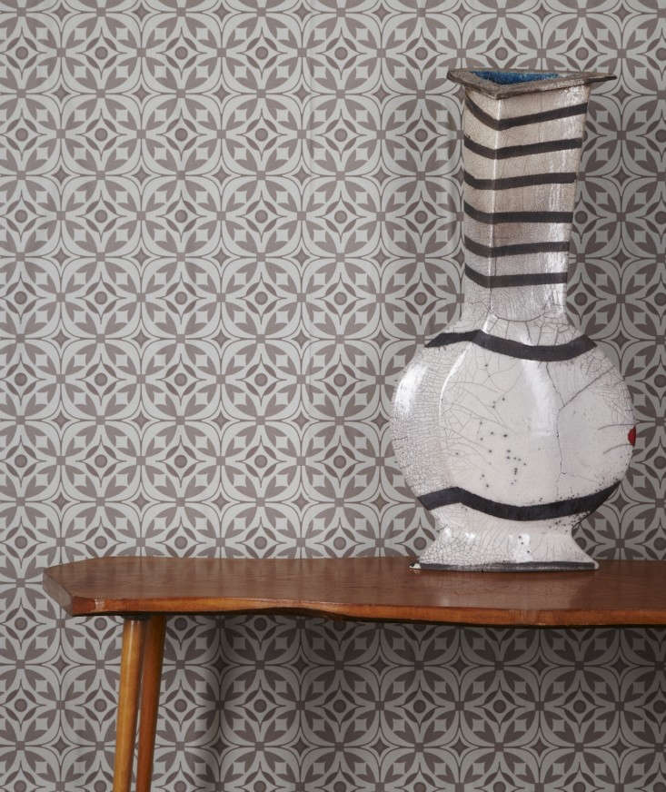 Akin-&-Suri-Handmade-Interiors-wallpaper-Elmas-pattern-5-Remodelista