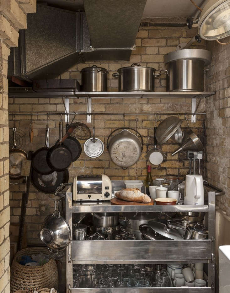 Alastair-Hendy-London-kitchen-skullery-via-Remodelista