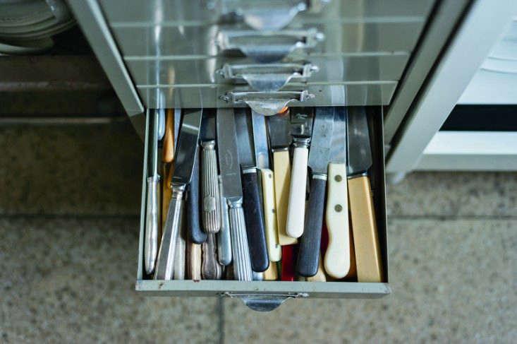 Alastair-Hendy-kitchen-1-Remodelista