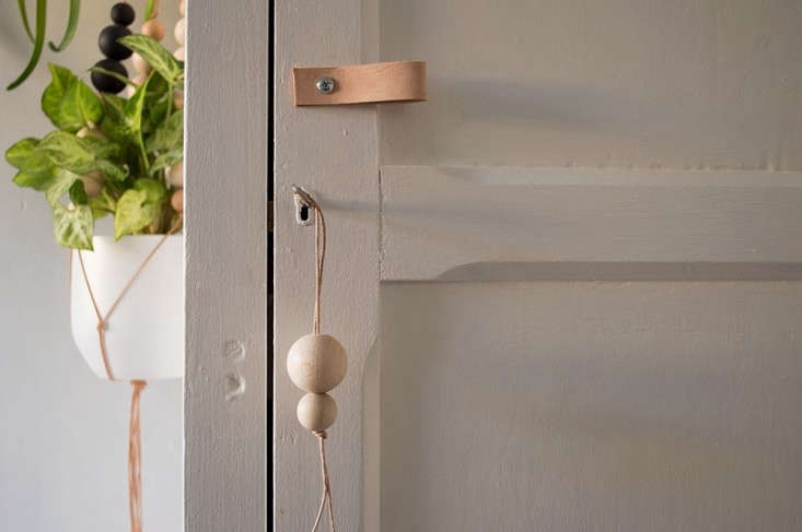 Alessandra Tacci's house, leather handle diy