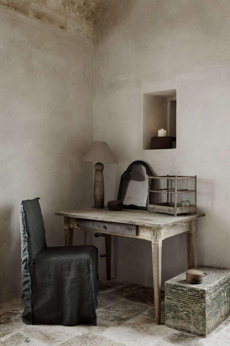 Alexander-Waterworth-Interiors-Masseria-Petrarolo-Emily-Andrews-Photos-Remodelista-04