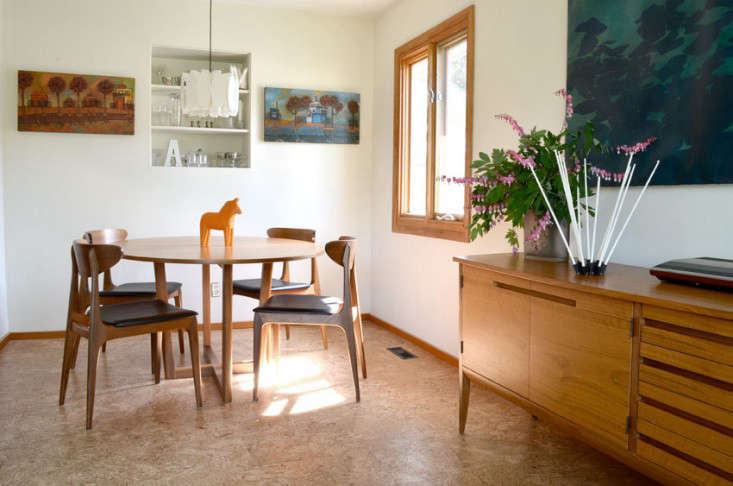 Interior Featuring A Dala Horse Catches My Attention Scandinavian Alert I Love The Casual Mix Of Midcentury Pieces And Unfussiness This Space
