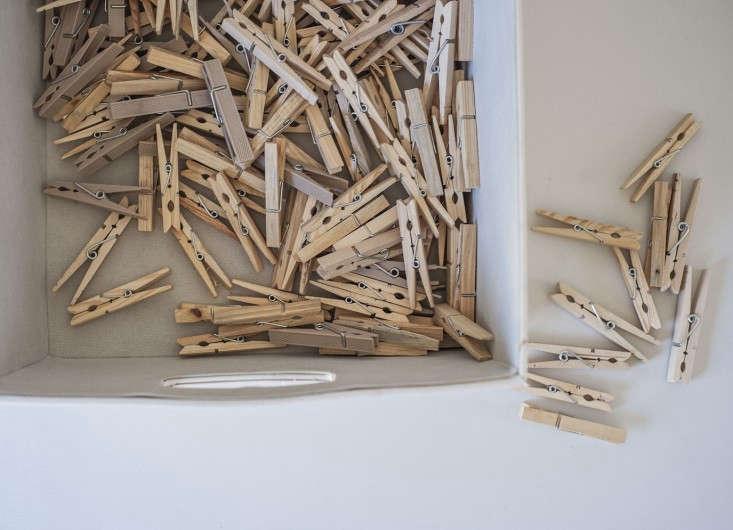 Amanda-Pays-Corbin-Bernsen-laundry-room-clothespins-Remodelista