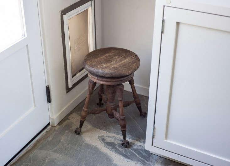 Amanda-Pays-Corbin-Bernsen-laundry-room-dog-door-Remodelista