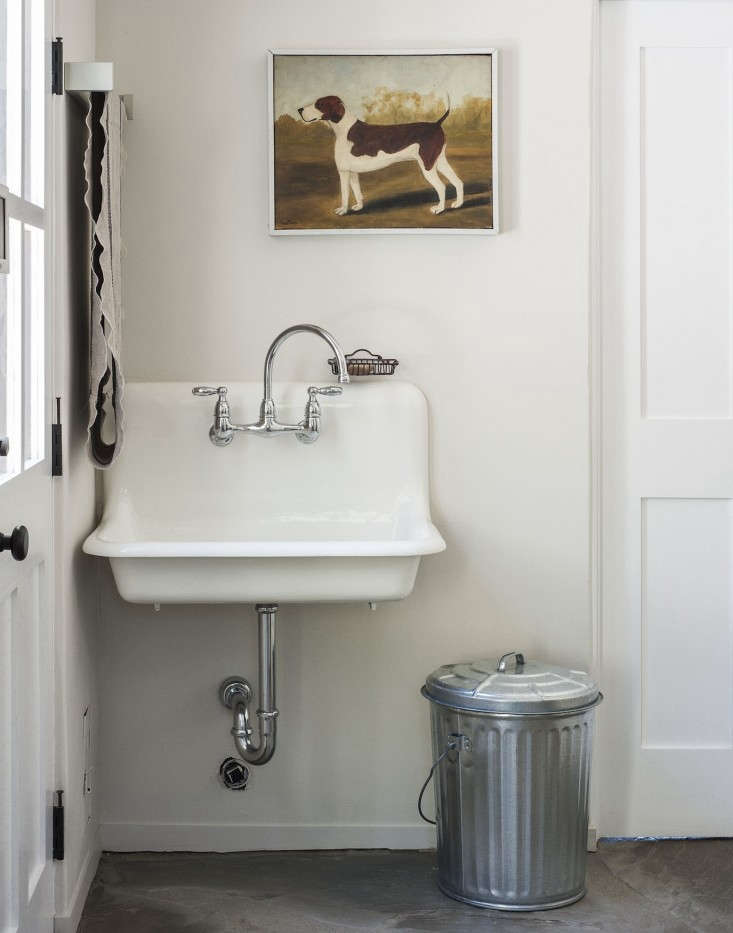 Small Laundry Room Sink : ... Pays-Corbin-Bernsen-laundry-room-refurbished-vintage-sink-Remodelista