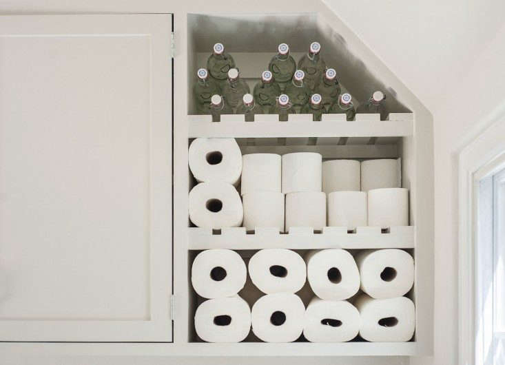 Amanda-Pays-Corbin-Bernsen-laundry-room-storage-detail-Remodelista