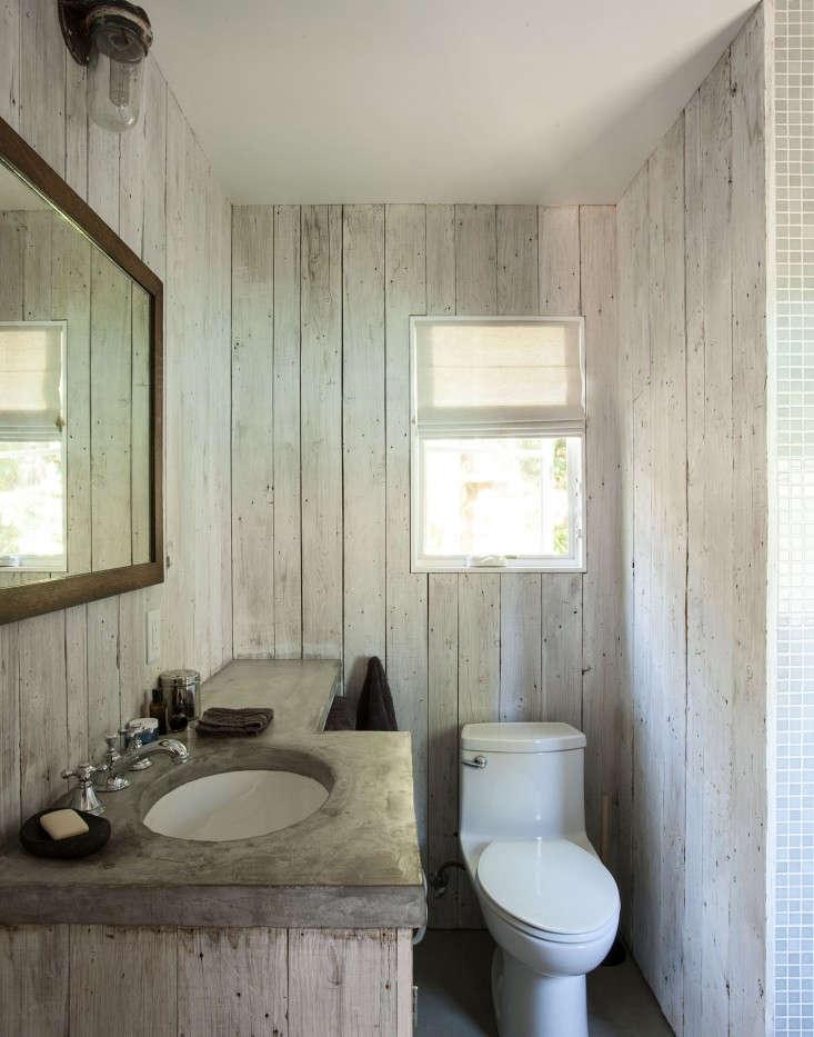Amanda-Pays-LA-bunkhouse-bathroom-Remodelista