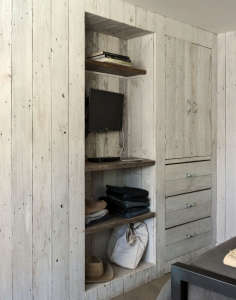 Amanda Pays and Corbin Bernsen LA bunkhouse | Remodelista