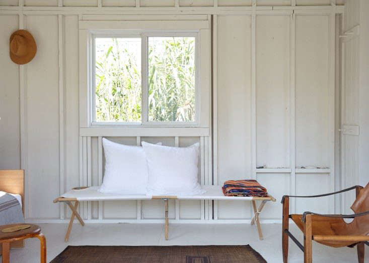 A Chic Fixer Upper On Fire Island Budget Edition Remodelista