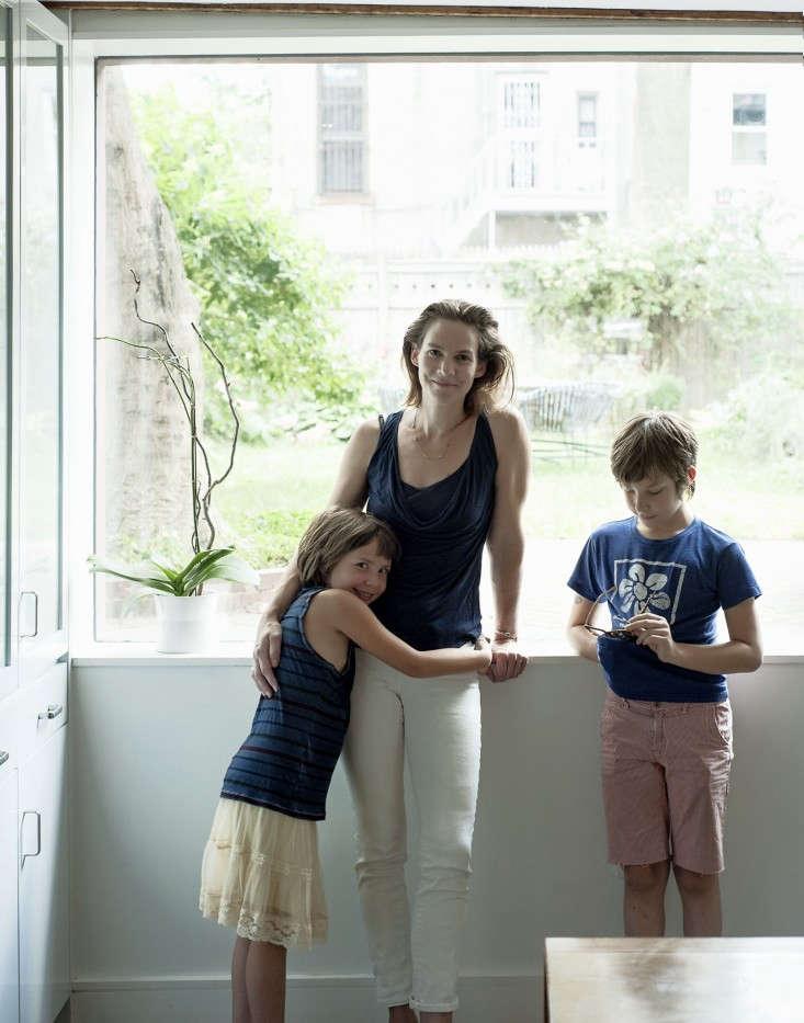 Annabelle-Selldorf-Brooklyn-kitchen-renovation-artist-Julia-von-Eichel-and-kids-Remodelista