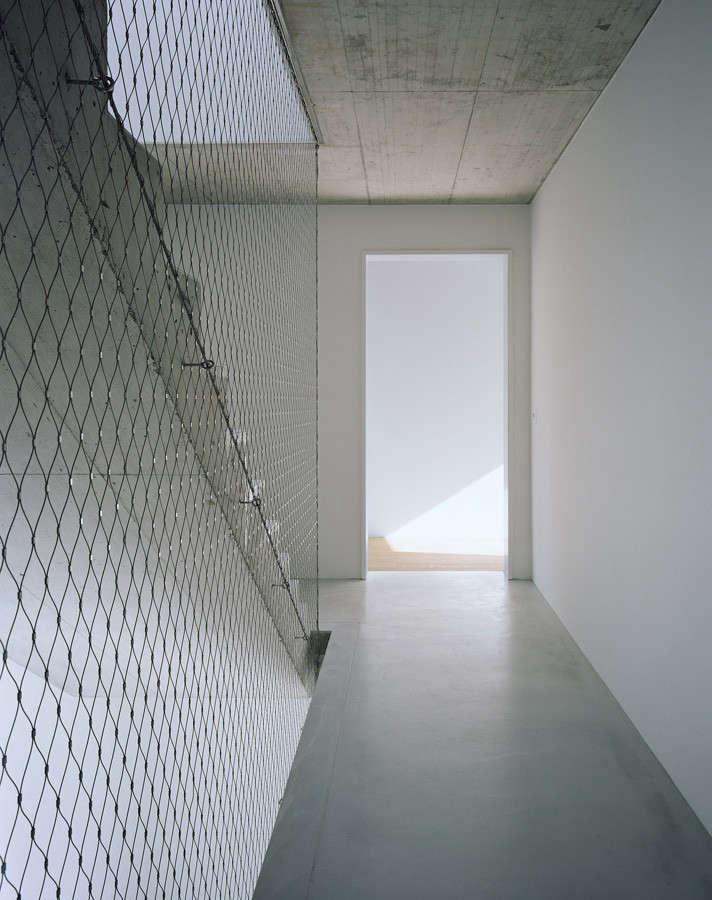 Apartment-building-in-Lausanne-by-PRS-architectes-net-railing