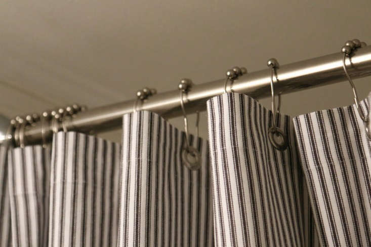Bathroom-Remodel-Subway-Tile-Slate-Floors-Meredith-Swinehart-Remodelista-8