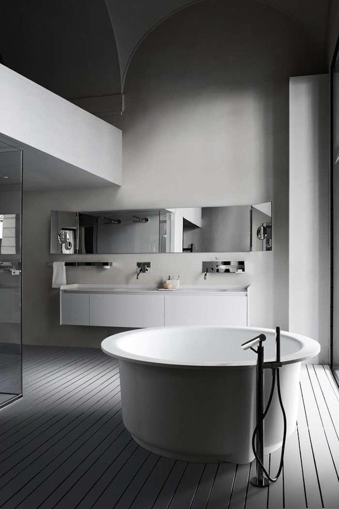 Bathtub-Agape-Remodelista