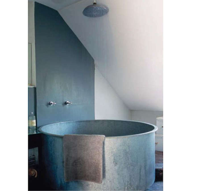 Bathtub-via-Cote-Maison-Remodelista