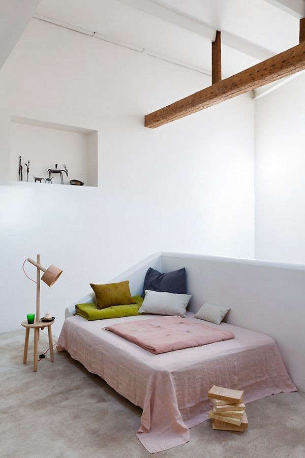 Bedroom-photo-by-Romain-Richard-Remodelista
