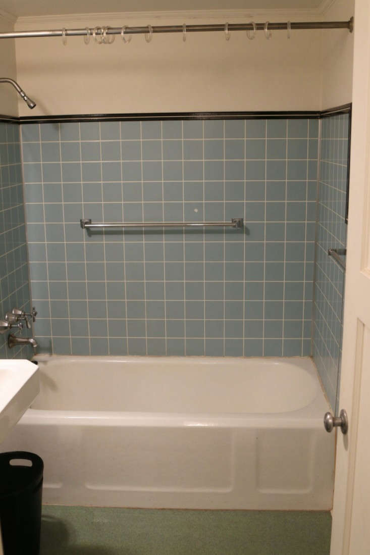 Before Amp After The Two Week Bath Remodel For Less Than