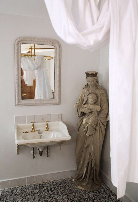 Berdoulat-&-Breakfast-Bath-England-Remodelista-4
