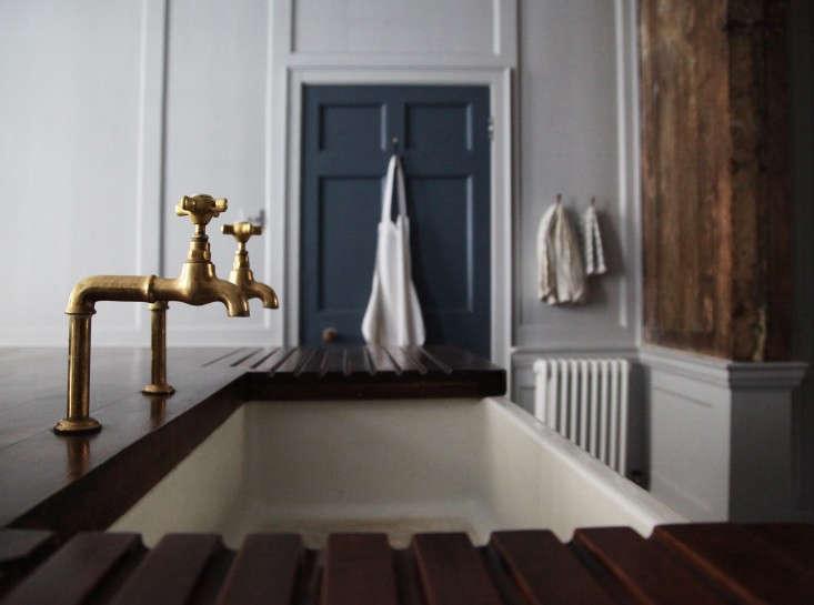 Berdoulat-&-Breakfast-Bath-England-Remodelista-9