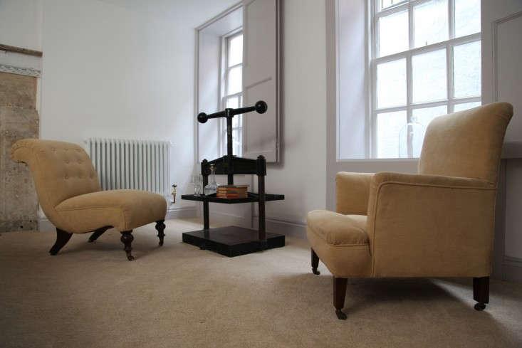 Berdoulat-&-Breakfast-Elder-Suite-Bath-England-Remodelista-1