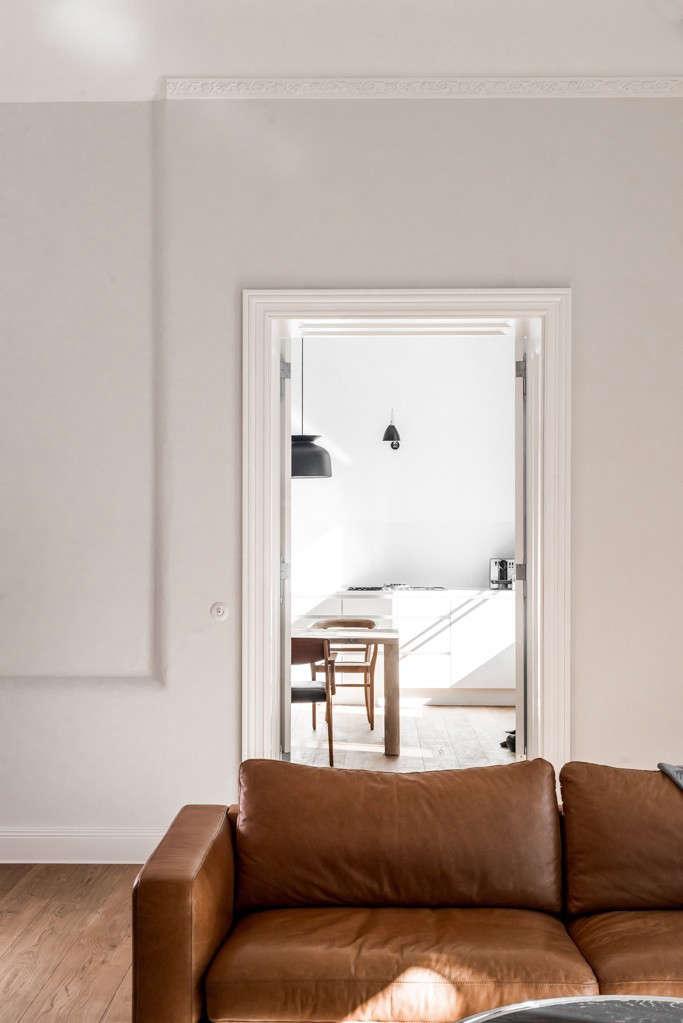 Berlin-house-remodel-by-Jacek-Kolasinski-Loft-Remodelista-12