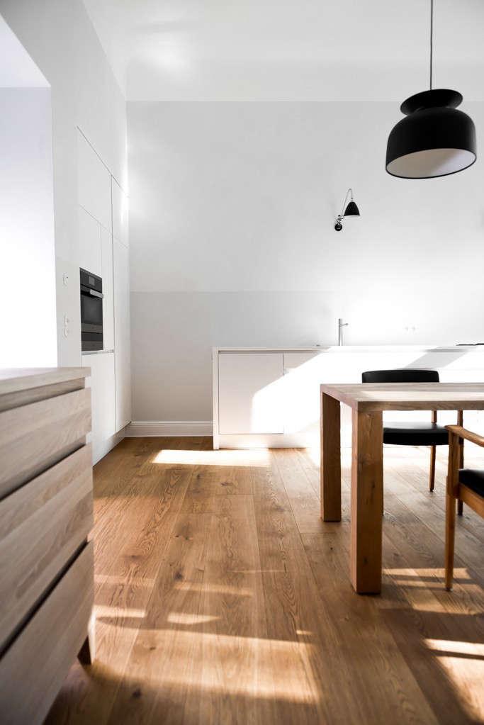 Berlin-house-remodel-by-Jacek-Kolasinski-Loft-Remodelista-8