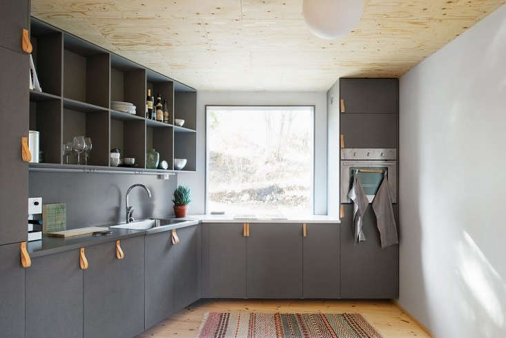 Blue-Plywood-House-Sweden-Tommy-Carlsson-Remodelista-10
