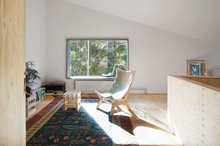 Blue-Plywood-House-Sweden-Tommy-Carlsson-Remodelista-13