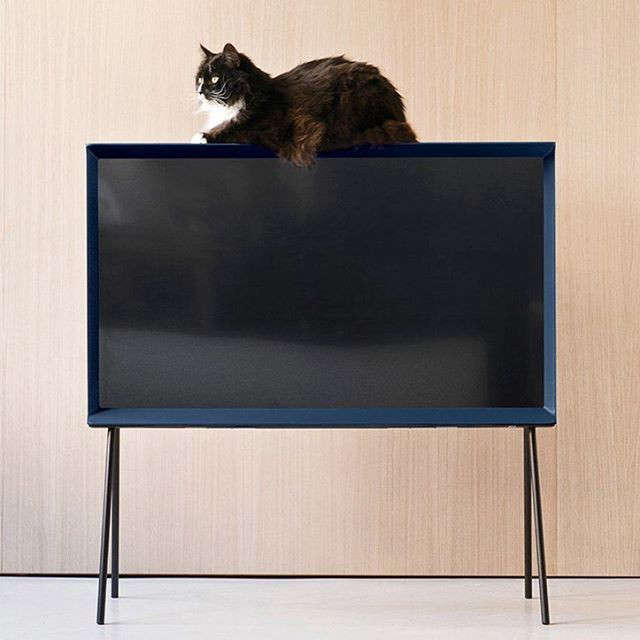 Bouroullec-brothers-Serif-TV-Samsung-Remodelista-5