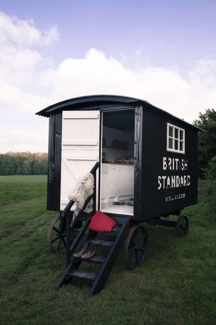 British-Standard-Sheperds-Hut-Remodelista-09