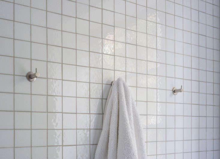 Brooklyn-bathroom-by-Fernlund-and-Logan-D-Line-hooks-Remodelista