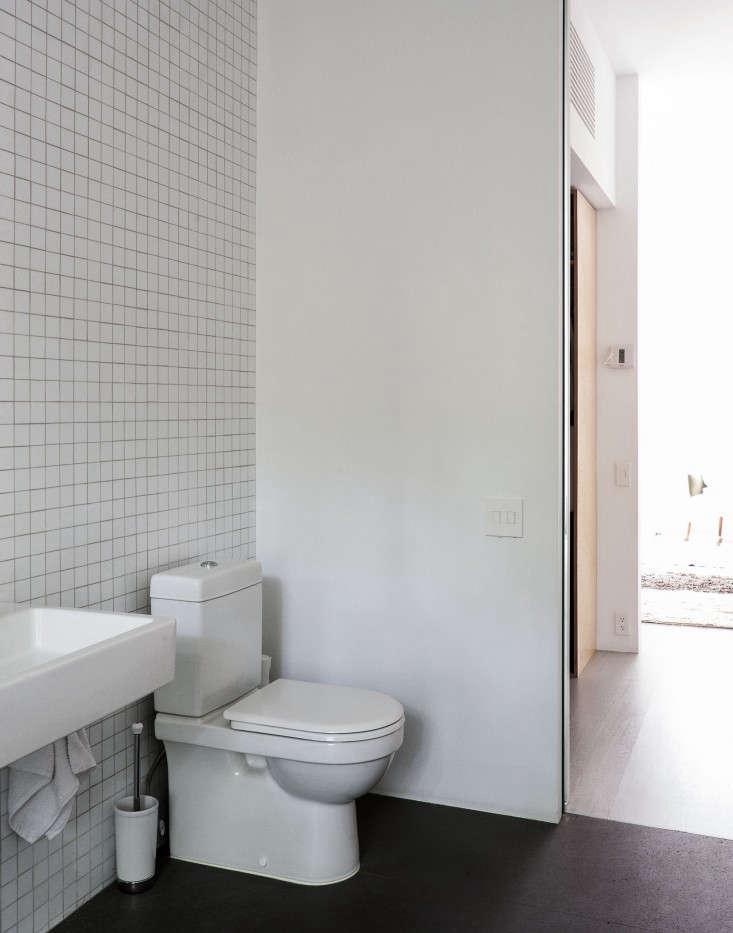Brooklyn-bathroom-remodel-4-Fernlund-and-Logan-Remodelista.jpgg_