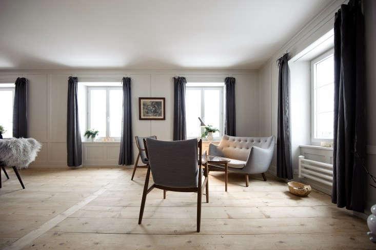 Brucke49-mountain-B&B-Vals-Switzerland-living-room-Remodelista