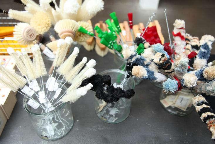 Brushes-at-Merci