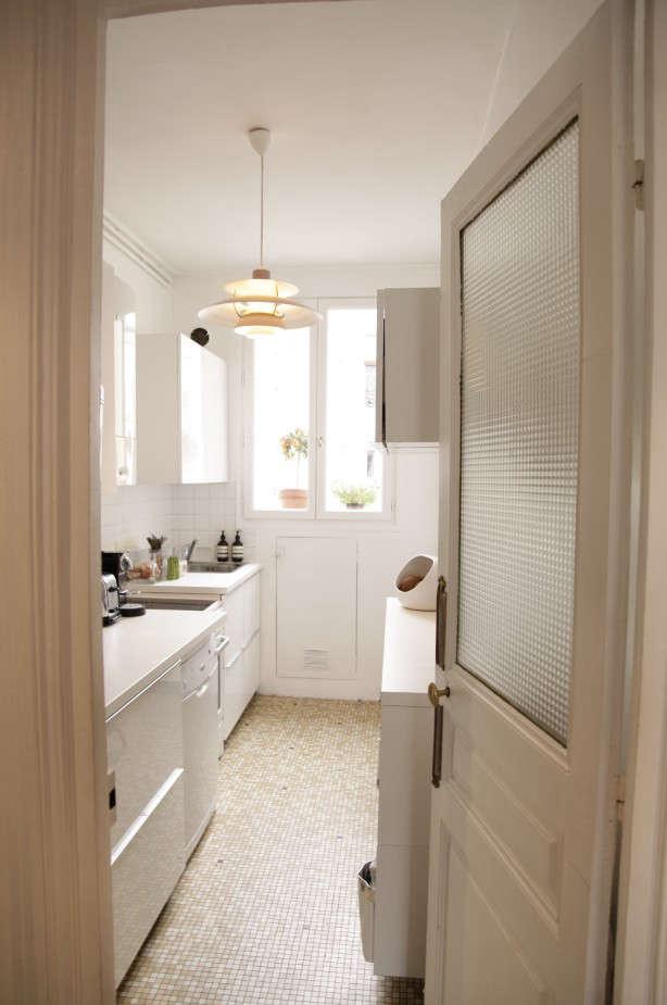 Cécile-Roederer-of-Smallable-Paris-apartment-Remodelista-4