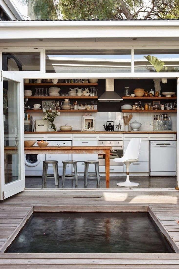 Capetown-Outdoor-Kitchen-Smith-Matthee-Remodelista