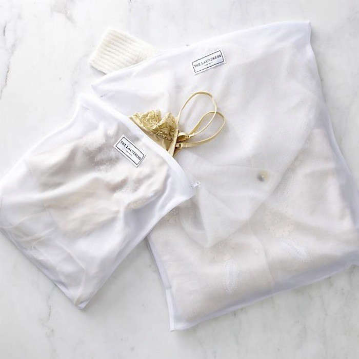 Care-the-laundress-Care-mesh-laundry-bags8