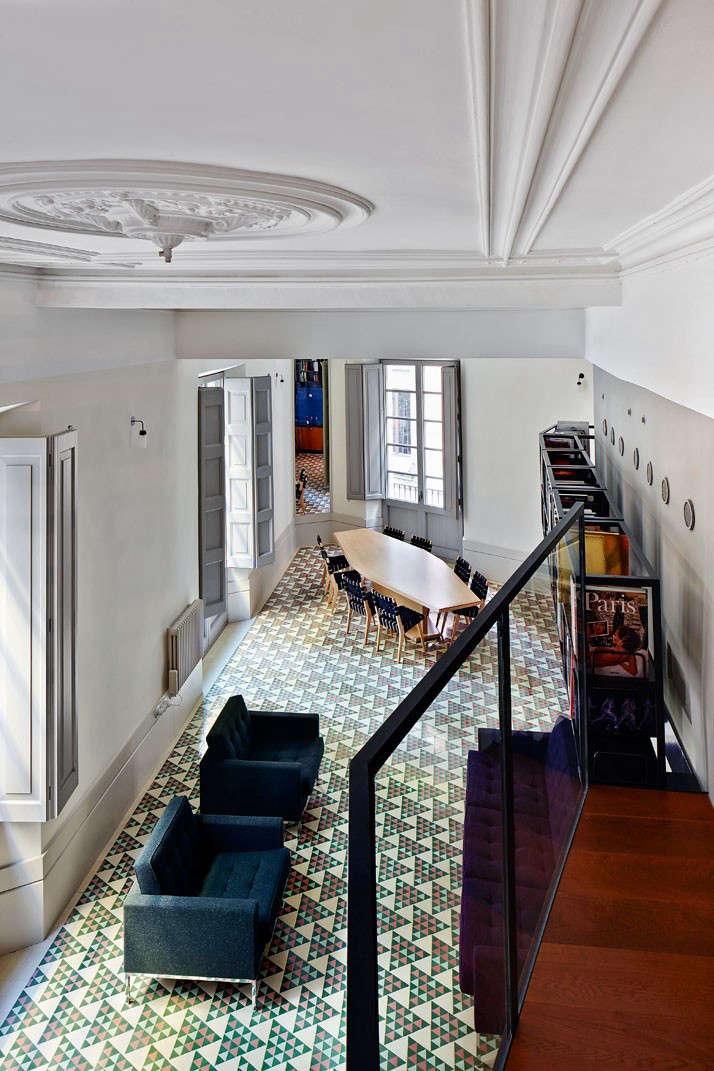 Carrer-Avinyo-David-Kohn-Architects-Barcelona-photo-Jose-Hevia-Blach-Remodelista-04