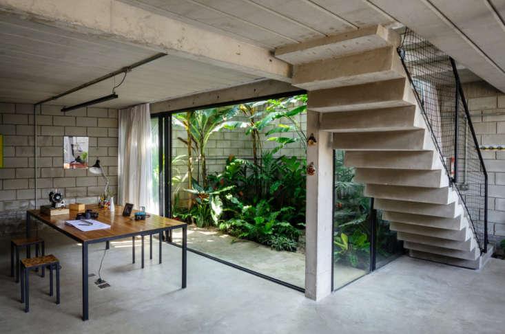 Casa-Maracana-Brazil-Architizer-Remodelista-01