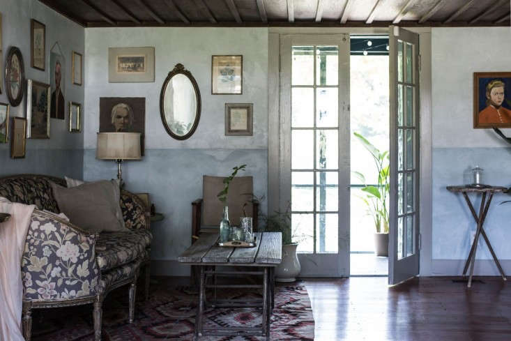 Catskills-Farmhouse-front-room-parlor-by-Jersey-Ice-Cream-Co-Remodelista-2