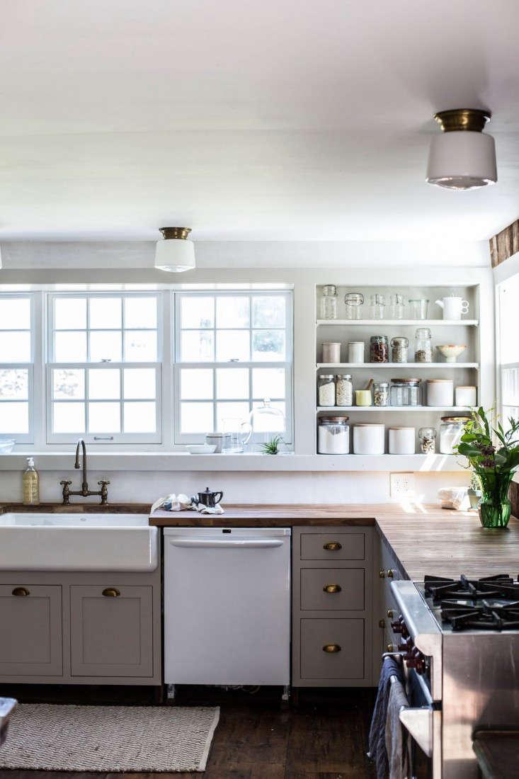 Catskills-Farmhouse-kitchen-by-Jersey-Ice-Cream-Co-Remodelista-1