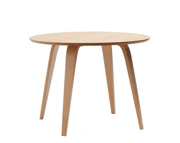 10 easy pieces modern round kitchen tables remodelista for Light wood kitchen table