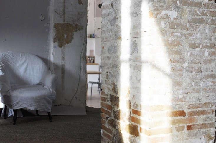 Cloth-Covered-Chair-Le-Dans-La