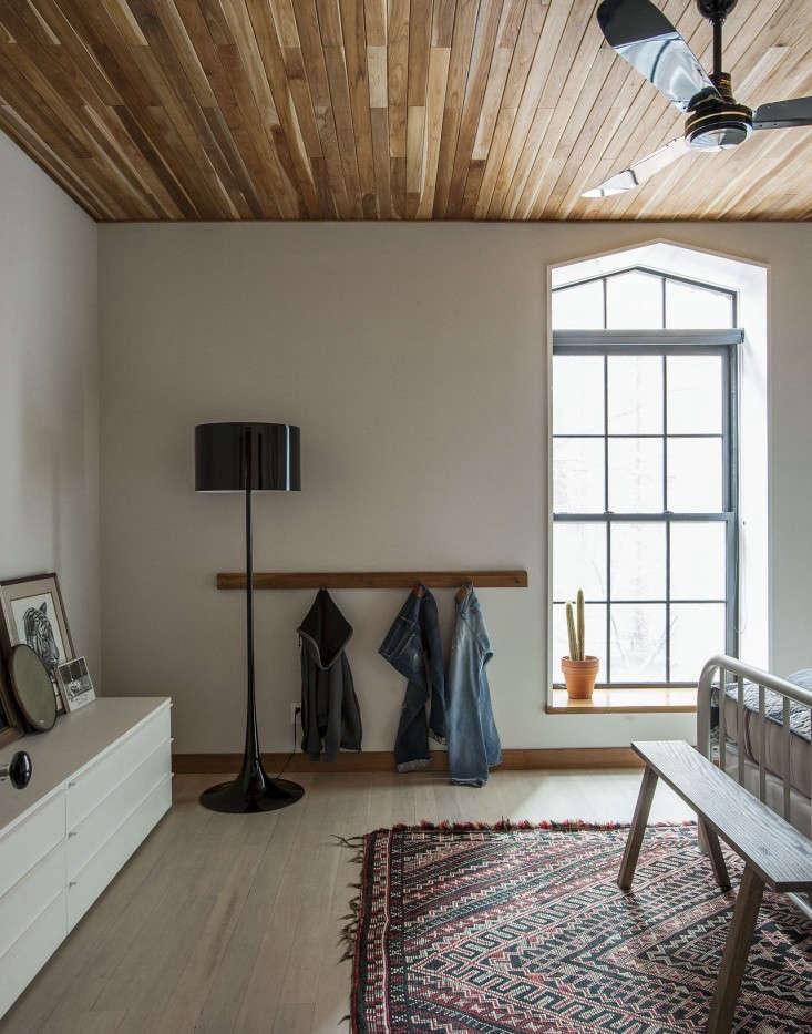 Cobble-Hill-duplex-by-Oliver-Freundlich-bedroom-2-Remodelista