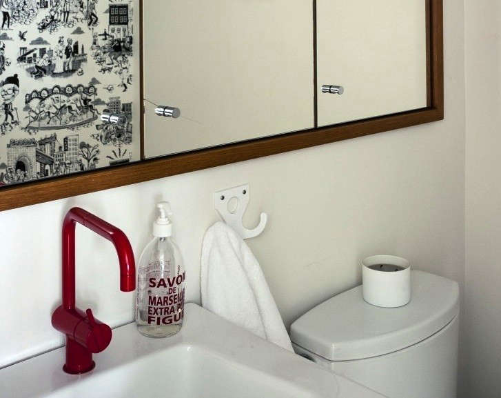 Cobble-Hill-duplex-by-Oliver-Freundlich-red-vola-faucet-remodelista