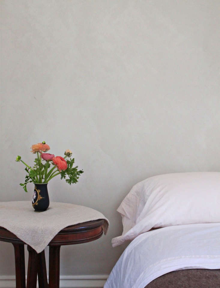 Photograph by Justine Hand for Remodelista, from DIY Project: Limewashed Walls for Modern Times.