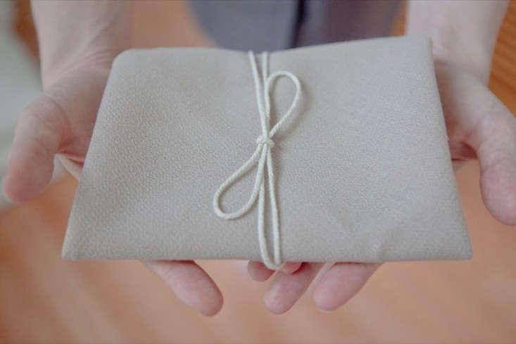 DIY-Furoshiki-Cloth-Card-Wrap-Remodelista-1